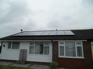 16 x Hyundai 250W all black solar panels