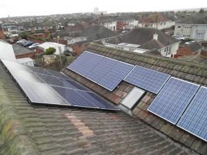 16 x Winaico 250W solar panels