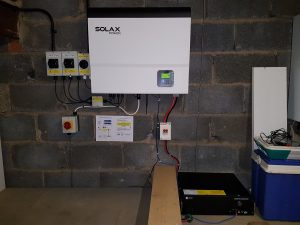 SolaX SK-SU3700 hybrid inverter and Pylon Extra2000 lithium battery